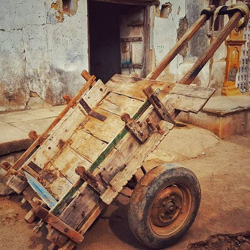 The cart left to tell the tale! Village Nature Summer Travel Landscape Beautiful Holiday Trip Country Photooftheday India Streetphotography Rural Villages Villagelife Indiagram Indiadiaries Inspiroindia Discoverearth Traveltheworld Photography RuralIndia Travelling Farm Like4followers