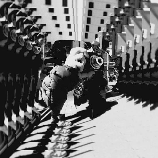 Human Meets Technology Captured The Moment Effects Black&white  The Illusionist Eyem Market EyeEmItaly EyeEm Team Fixed Idea EyeEm Market ©