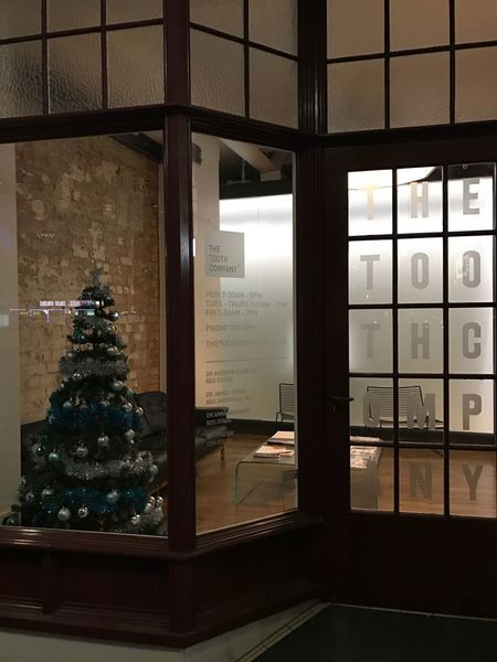 Christmas Window Indoors  Christmas Tree No People Christmas Decoration Tree Architecture Day Fresh On Eyeem  Doctor's Practice Dentist Dentistry Shop Front Christmas Tree Lights Zahnarztpraxis Zahnarzt Christmas In The City