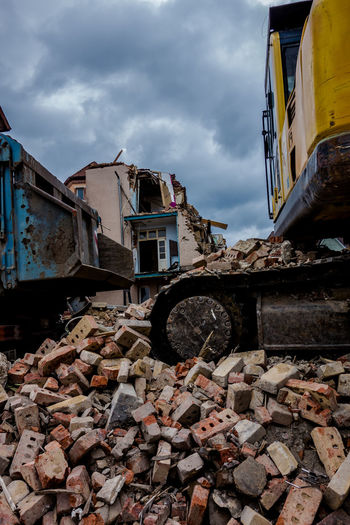 Abrissarbeiten Abundance Architecture Breakaway Brick Building Exterior Building Lot Built Structure Cloud - Sky Day Demolition Digger Epitome Large Group Of Objects Metal No People Outdoors Sky Tearing Tearing Down