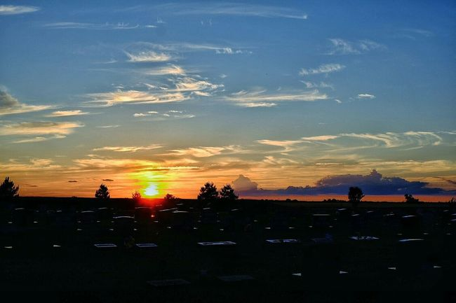 https://youtu.be/cMbRV5d7TeY The Purist (no Edit, No Filter) Polarizing Filter Fuji X-T1 Color Photography Sunset Cemetary Beauty Kansas EyeEm Best Shots Check This Out Landscape_photography