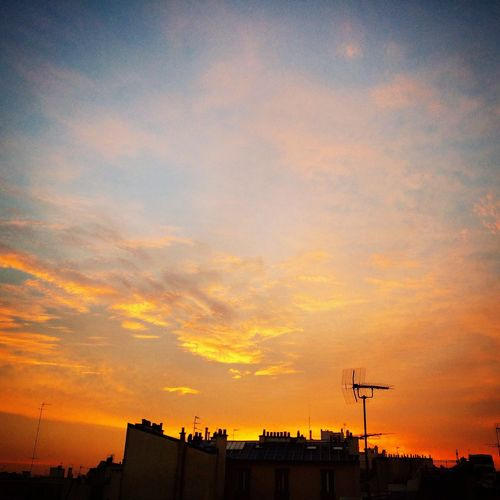 Sunset Sky Roofs Of Paris Roofs Colors Contrejour Light Fullness End Of The Day