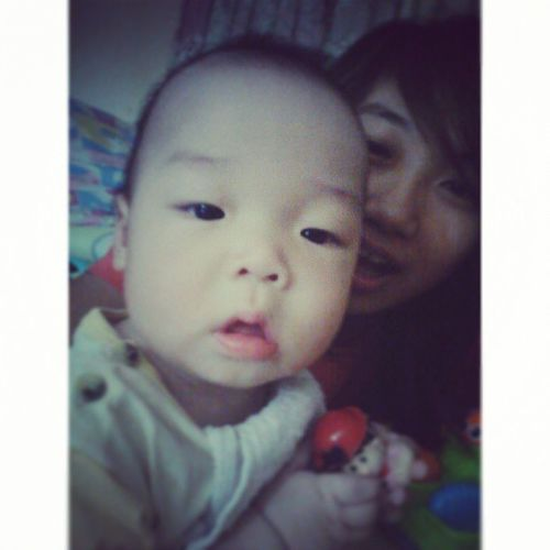 - tiring day.. But lookie, baby Tyler <3. . His oversized cheeks so cute^^ .. Hmm.. Tired Exhaustedfully Missingsomeone mustbebusywithsomeoneelse you.. negativethoughtsup somethingwrong slowmovingtime scent hasntchange mymemo saysitall bored ¦///