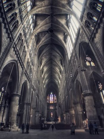 Religion Architecture Place Of Worship Ceiling Arch Indoors  Spirituality Architectural Feature Travel Destinations No People Built Structure Pew Day Rose Window