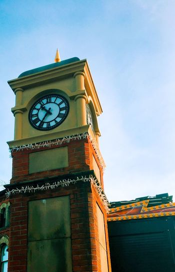 Clock Time Low Angle View Clock Tower Clock Face Architecture Building Exterior Built Structure Tower No People Minute Hand Sky Day Roman Numeral Hour Hand Outdoors