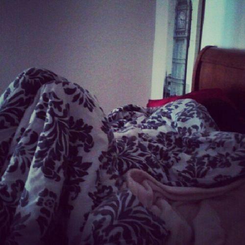 My Bff Sleeps like a Freak . LOL @elenitabonitaa