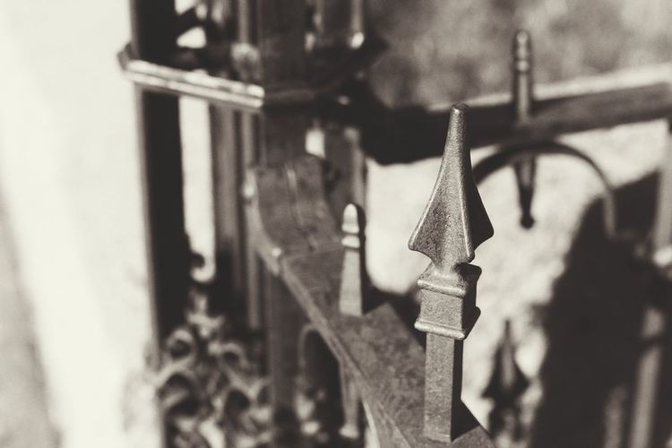 Focus On Foreground Metal No People Close-up Day Outdoors Dark🌌 By Tisa Clark Black & White By Tisa Clark Dark Photography Shadow Darkness And Light Blackandwhite Cemetery