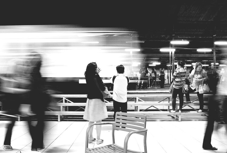 Streetphoto_bw Blackandwhite Taking Photos Keretaapi