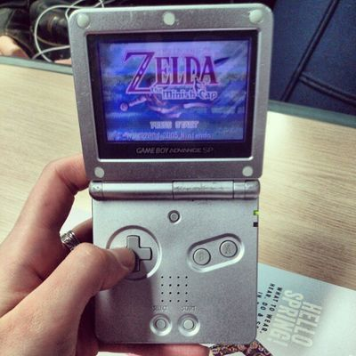 Getting me through the journey home LegendOfZelda  Minishcap Gameboyadvancesp Nostalgia mywholechildhoodsummedup