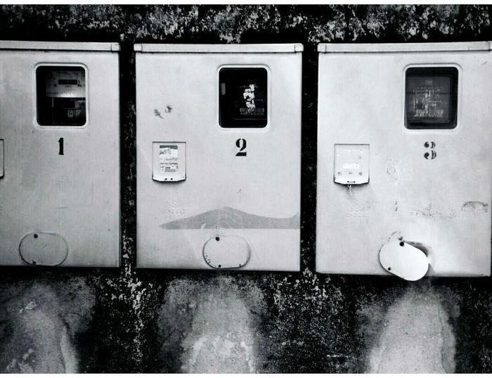 Taking Photos Black & White 123 Testando.. Scared