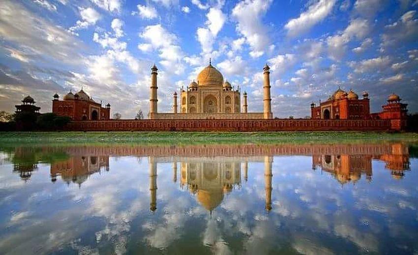 Everything In Its Place Love ♥ Taj Mahal Love Symbol Wonderofworld Heritage Building Heritage Mughalarchitecture Shahjahan Mumtaz Grave