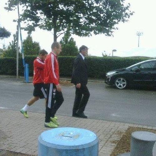 Bumped into Mario Gotze and Arjen Robben FC Bayern Mario Götze Arjen Robben