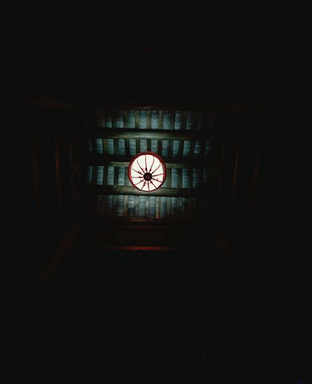 一个人的生活,一个人的城市 Indoors  No People Dark Clock Face Built Structure Architecture Clock Day