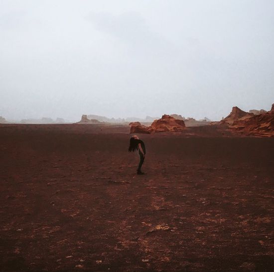Solitude Girl Desert Dasht-e Lut Peaceful Landscape