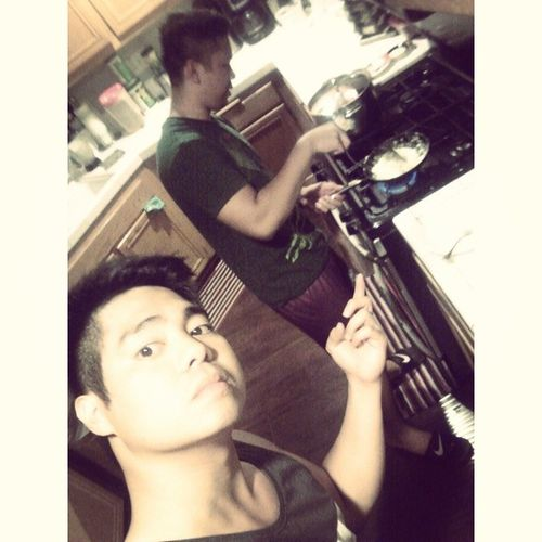 Cooking eggs at 2 in the morning. Cuz we makin all kinds of gainz. ? Latenightworkout Getshitdone Shouldersandtraps