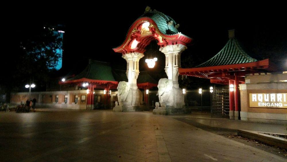 Elefantentor. · Berlin Germany 030 Zoo Zoologischer Garten Berlin Gate Entrance Asian  Architecture City Lights Night Lights Night Photography