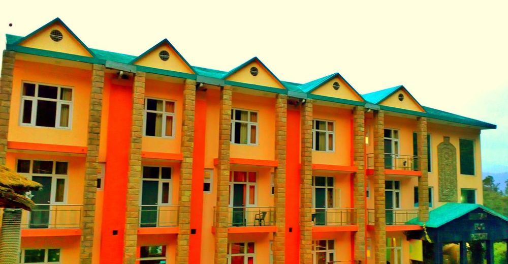 Articturephotography Abstract Colourful Building Exterior Shapes , Lines , Forms & Composition LINE Window View Art Is Everywhere EyeEm Gallery Architecture_collection Building Exterior Outdoors Residential Building Architecture Multi Colored Red No People Sky