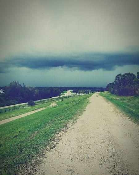 Days like this inspires me Darkclouds Rain Sky LetItRain Pathway