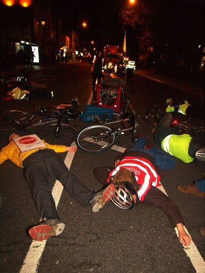 Stop Killing Cyclists. Vigil +Die-In. To honour cyclist killed by a heavy goods vehicle on Pentonville Road. Islington Town Hall. Upper Street. Islington. 08/11/2017 Zuiko Stop Killing Cyclists Cyclist Protest London News Stevesevilempire Vigil Olympus Protest Cyclists London Islington Protestor Cycling London Cycling Campain Politics And Government Steve Merrick