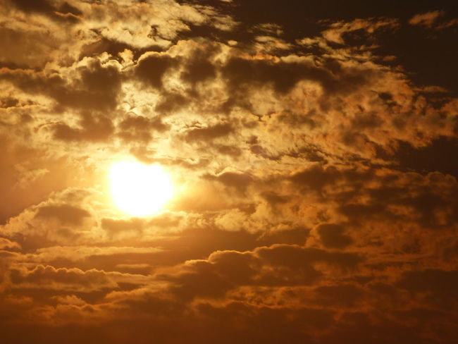 Beauty In Nature Bright Bright Cloud - Sky Clouds's Landscape Full Frame Gold Sky Majestic Nature No People Sky Sky And Clouds Sky Only Sky_collection Sun Sunshine Yellow