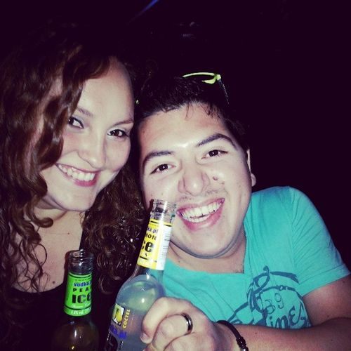 @chisspop + VodkaPera + LaVozDeChile + VodkaLimon = Una Wea Rara!! Recuerdos Fiesta Diafraces Noooooooo jajaja