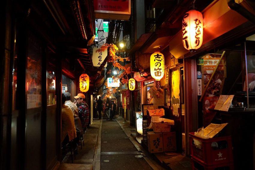 新宿 思い出横丁 Neon Yakitori Beer Beer Time Enjoying Life Drinking Night Nikonphotography Night Lights Street Streetphotography Taking Photos Showcase: February Snapshot Snapshots Of Life EyeEm Best Shots Mybestphoto2016 EyeEm Best Edits EyeEm Best Shots - The Streets Fujifilm Fujifilm_xseries in Japan , Tokyo , Sinjyuku