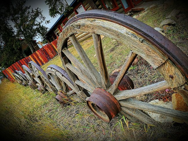 My Point Of View Close-up Old Wagon Wheel Fence Pattern Unique Fences Antiques Photography Google Pixel XL Askew