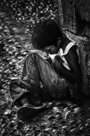 Mother, where are you? Child Day Future Outdoors Poverty Sitting Starvation Strongheart The Photojournalist - 2016 EyeEm Awards What's Next Withoutprospects