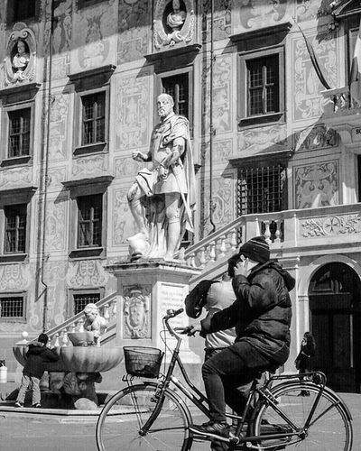 ●Ahi Pisa, vituperio delle genti del bel paese là dove 'l sì suona, poi che i vicini a te punir son lenti, muovesi la Capraia e la Gorgona, e faccian siepe ad Arno in su la foce, sì ch'elli annieghi in te ogne persona● Biancoenero Blackandwhite Bw Bnw Italia Picoftheday Igersitalia Instagood Photooftheday Street Instaitalia Pisa Italy Toscana Tuscany Igerspisa Igerstoscana Ig_pisa Firenze Ig_toscana Relax Roma Milano Napoli Quote quoteoftheday life divinacommedia dantealighieri inferno