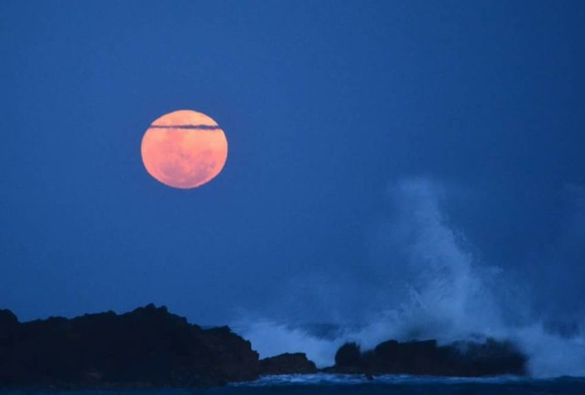 Red Moon/ Eclipse Night Sea Tranquil Scene
