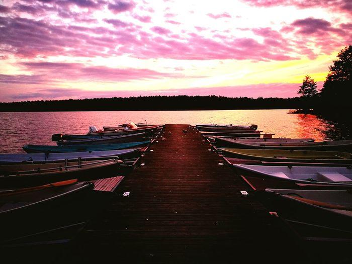 Järvenpää, Finland intensive sunset at Tuusulanjärvi. Sunset Boat Calm Sky Beauty In Nature Water Nature Finland Autumn Is Coming Järvenpää Tuusulanjärvi