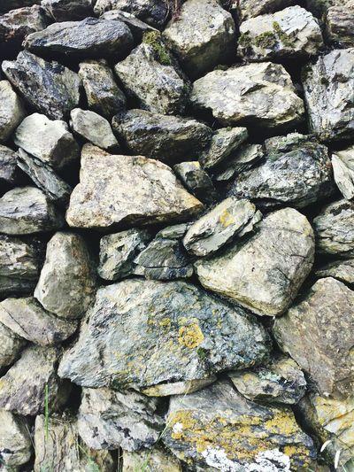 Stones Wall Q