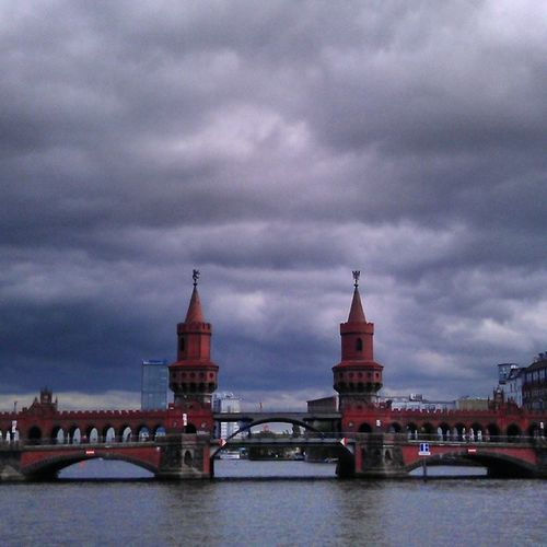 Looks like it's gonna rain... Berlin Boattour Springtime