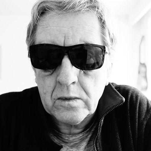 Selbstportrait Man Selfportraiture Portrait Headshot Looking At Camera Attitude Sunglasses Front View Human Face Close-up