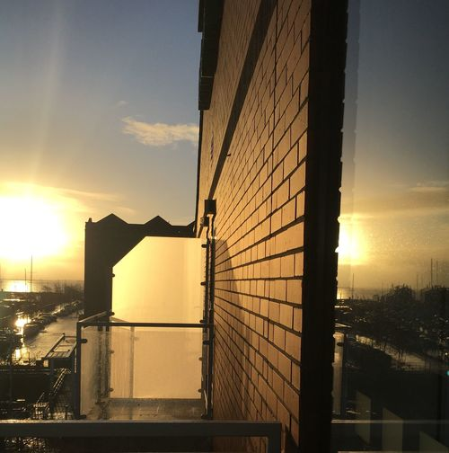 Built Structure Architecture Sunlight City Sky Building Exterior Silhouette Hull Marina River Humber Port Of Hull Winter Sky Hull City Of Culture 2017 Cityscape Geometric Shapes Reflections In The Glass Windows Tranquil Scene Balcony View