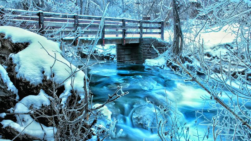 "Showcase: Decembercool river in utah with blue water, due to sulfur ive been told ""which would explain the smells..."" gorgeous river! It's Cold Outside First Eyeem Photo Utah Canonphotography Outdoor Photography Outdoor Canont3i Mountains Hiking Vibrantlife Canon_official Outdoors Gorgeous Vibrance Riverside River Riverscape Waterscape Frozen Frozen Nature Nature Nature Photography Naturelovers Nature_collection"