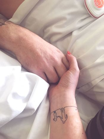 ❣️ CancerSucks Fatherdaughter EyeEm Selects Human Hand Real People Hand Human Body Part Bed People Two People Bonding Love Inner Power
