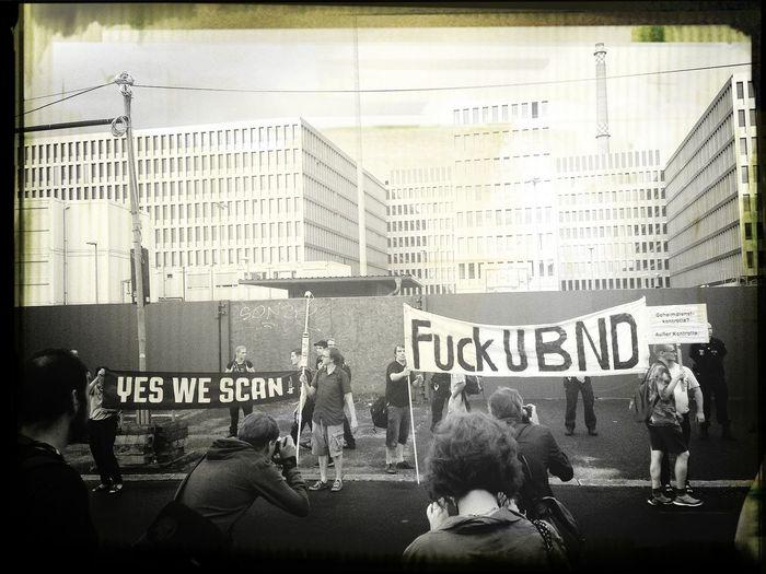 demo gegen einen überwachungsstaat