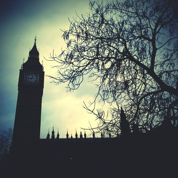 London Big Ben Uk Gloomy Day Gloomy Weather Winter Tree Clock Tower Cities At Night London At Sunset
