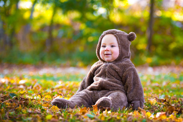 He just learned to sit for a few seconds! Autumn Autumn Bouquet Baby And Leave Baby Smiling Boy Sitting On Grass Child Children Cute Baby Animals Leaves Swedish Autumn Swedish Fall Teddybear Teddybear Bab