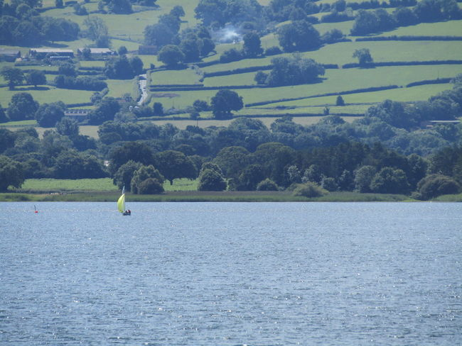 Walking Around The Lakes Hills Background Taking Photos Chewvalleylake Nature On Your Doorstep Nature Transportation Sailing Boat On Lake Landscape_photography