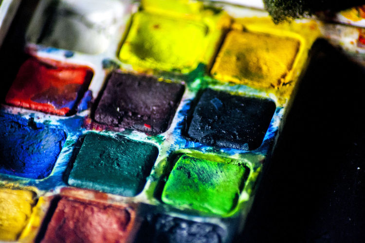 like a life, watercolor can be used to the painting, many kinds of things you can choose to make a you wrong, that value can't be high. Art Colors Paint Full Frame Studio Shot Creativity Paint Art And Craft Vibrant Color Indoors  Close-up Multi Colored Water Colour