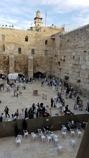 Distruction Of The Temple Jewish History Prayer The Western Wall Large Group Of People Architecture Travel Destinations History Old Ruin Built Structure Cloud - Sky