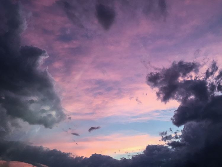 Check This Out Hanging Out Hello World Relaxing Taking Photos Enjoying Life Take A Look At The World Differently Beautiful Day Peace And Quiet Nature EyeEm Nature Lover Clouds And Sky Shades Of Grey Working Clouds Sunset