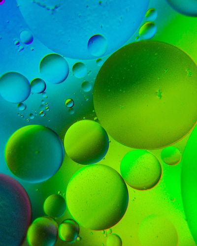 Full frame shot of bubbles in water
