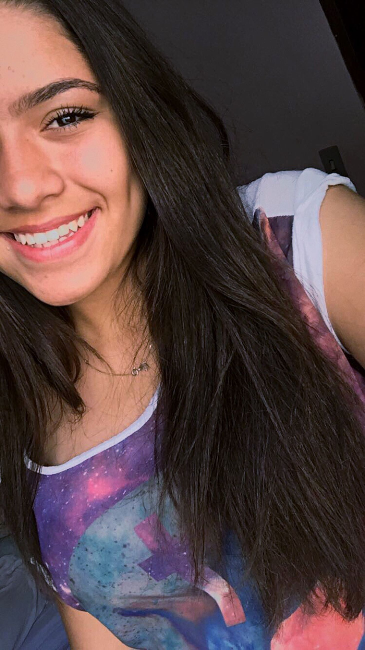 young women, young adult, person, lifestyles, portrait, long hair, headshot, leisure activity, front view, smiling, close-up, black hair, casual clothing, brown hair, beauty, toothy smile, human face, day