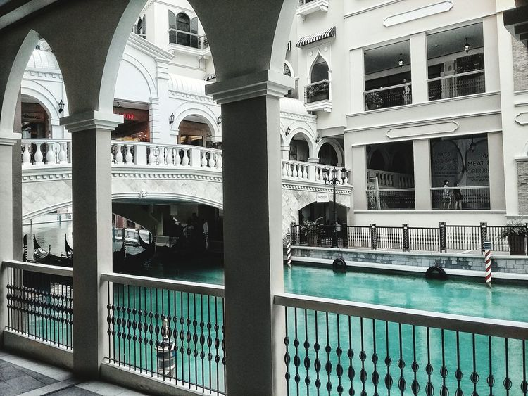 Surface Below. Plain Black Green Turquoise Favorite Color Vibrance Vibrance Behind Dullness Old Style Cold Weather Cold Temperature EyeEm Philippines Grand Canal Dull Learn And Shoot Atmosphere EyeEm Best Shots EyeEm Gallery Eyeemphoto Architecture Columns And Pillars