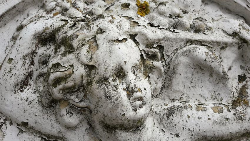 Send me an angel Close-up No People Full Frame Day Sculpture Relief Sculpture Old Relief Sculpture As Time Goes By As Time Passes Outdoors Patina Angel