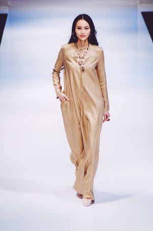 Striking Fashion Fashion Photography Photojournalism Fashioneditorial Female Model Fashion Show Klfwrtw2015