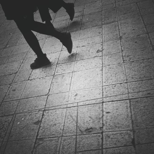 Walking with Hamish Fulton   Walking Hamish Fulton Performance Art Repetitive Walk Palazzo Ducale Venezia Getting Inspired Black And White Monochrome Showcase: November People Walking  Perfect Match Picturing Individuality EyeEm Italy  